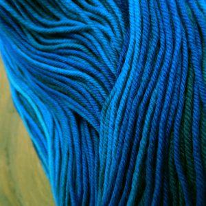 © Die Maschen zum Glück | Unisono Color Blaue Stunde | 100% Merino extrafein | Atelier Zitron