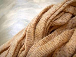 © die-maschen-zum-glueck.de | Baumwoll Bändchengarn Camel