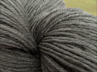 Ramie Sockenwolle graubraun Seehawer Naturfasern | © Die Maschen zum Glück