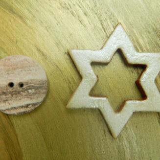 © Die Maschen zum Glück   Verschluss Stern mit Knopf