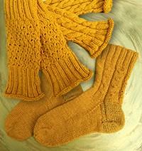 © Die Maschen zum Glück Ramie Sockenwolle Stulpen und Socken