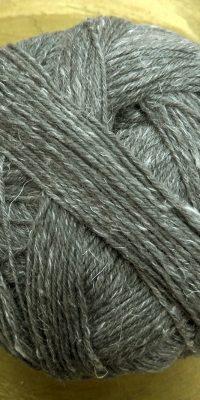 © Die Maschen zum Glück | Alb Lino Mittelgraumelange von Schoppel Wolle