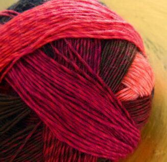 © Die Maschen zum Glück | Zauberball 100 Red to go von Schoppel Wolle