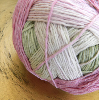 © Die Maschen zum Glück | Zauberball Cotton, Arbeiterklasse, Bio Baumwolle aus Rosige Zeiten