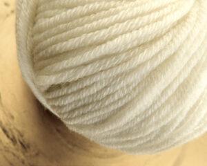 © Die Maschen zum Glück | Ursprung Naturweiß, 100% tasmanische Merino extrafein von Atelier Zitron