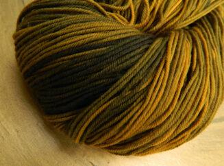 © Die Maschen zum Glück | Unisono Color Safran | 100% Merino extrafein | Atelier Zitron