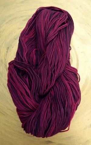 © Die Maschen zum Glück | Unisono Color Cranberries | 100% Merino extrafein | Atelier Zitron
