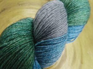 © Die Maschen zum Glück | Turin Sockenwolle multicolor handgefärbt | Fjord