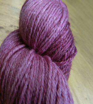 © Die Maschen zum Glück | Turin Sockenwolle multicolor handgefärbt | Flieder