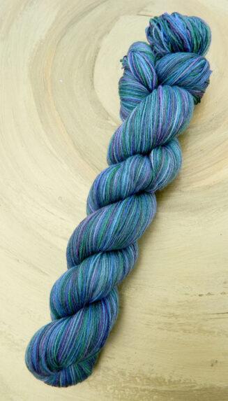 6 Karat Gib mehr Gruen | Schoppel Wolle | Schurwolle Merino extrafein mit Seide | © Die Maschen zum Glück