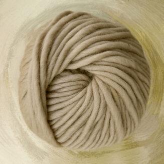 © Die Maschen zum Glück | Dochtwolle Oslo Sandbeige von Seehawer Naturfasern, dickes XL Schnellstrickgarn
