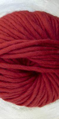 © Die Maschen zum Glück | Dochtwolle Oslo Karminrot von Seehawer Naturfasern, dickes XL Schnellstrickgarn