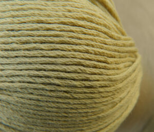 Atelier Zitron | Bio Baumwolle ohne Gentechnik Ocker | für Allergiker geeignet | © Die Maschen zum Glück