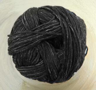 BIO Merinos Schwarzmelange von Schoppel Wolle | kontrolliert biologische Merino Wolle aus Patagonien mit französischem Leinen | © Die Maschen zum Glück |