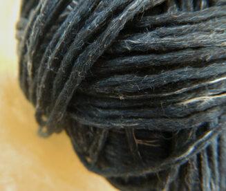 BIO Merinos Sepia Melange von Schoppel Wolle | kontrolliert biologische Merino Wolle aus Patagonien mit französischem Leinen | © Die Maschen zum Glück |