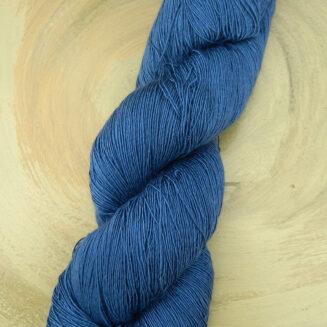 Atelier Zitron Traumseide Tiefsee | Lacegarn, 100% Maulbeerhaspelseide | © Die Maschen zum Glück