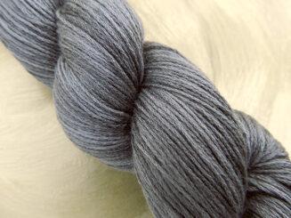 6 Karat Shadow Elefantenhaut | Schoppel Wolle | Schurwolle Merino extrafein mit Seide | © Die Maschen zum Glück