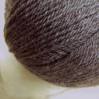 Balance Mocca | Atelier Zitron | Merino extrafein mit Tencel | biologisch abbaubar | © Die Maschen zum Glück