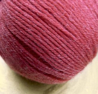 Balance Rot | Atelier Zitron | Merino extrafein mit Tencel | biologisch abbaubar | © Die Maschen zum Glück