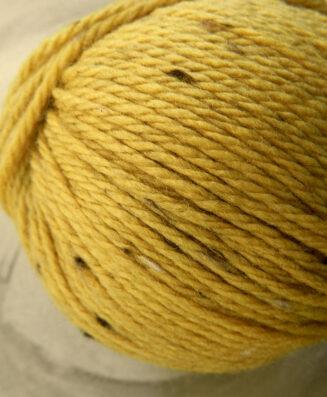 Original Tasmanian Tweed Honiggelb in Merino extrafine   Neuentwicklung von Atelier Zitron   © Die Maschen zum Glück