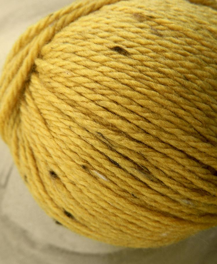 Original Tasmanian Tweed Honiggelb in Merino extrafine | Neuentwicklung von Atelier Zitron | © Die Maschen zum Glück