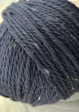 Original Tasmanian Tweed Graphit in Merino extrafine | Neuentwicklung von Atelier Zitron | © Die Maschen zum Glück