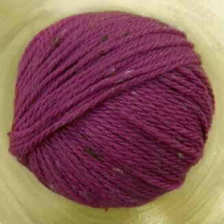 Original Tasmanian Tweed Himbeere in Merino extrafine | Neuentwicklung von Atelier Zitron | © Die Maschen zum Glück