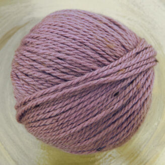 Original Tasmanian Tweed Mauve in Merino extrafine | Neuentwicklung von Atelier Zitron | © Die Maschen zum Glück