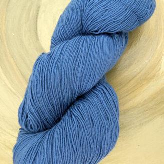 Filigran Lace Jeansblau | 100% Merino extrafein | Atelier Zitron | © Die Maschen zum Glück