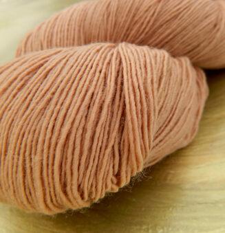 Filigran Lace Sandelholz   100% Merino extrafein   Atelier Zitron   © Die Maschen zum Glück