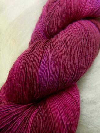 Traumseide Ruby | Atelier Zitron | © Die Maschen zum Glück